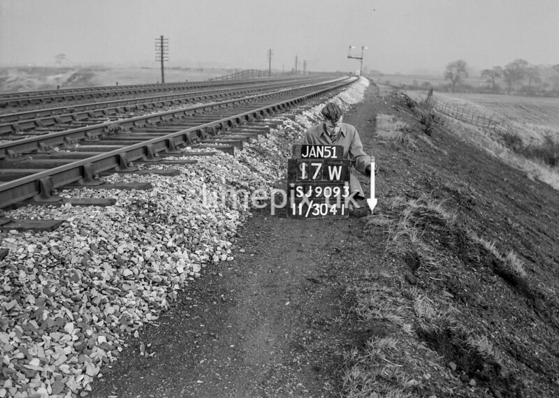 SJ909317W, Ordnance Survey Revision Point photograph in Greater Manchester