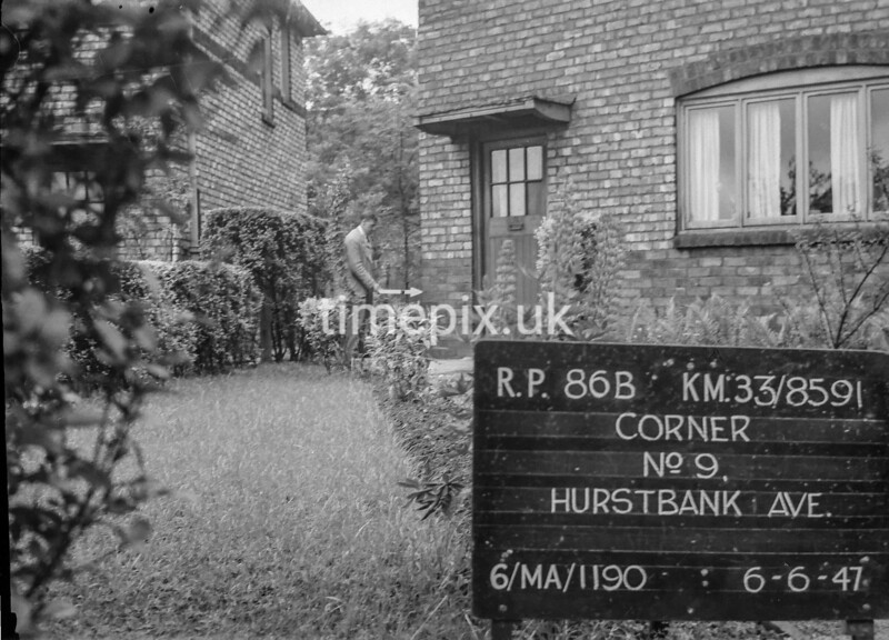 SJ859186B, Ordnance Survey Revision Point photograph in Greater Manchester