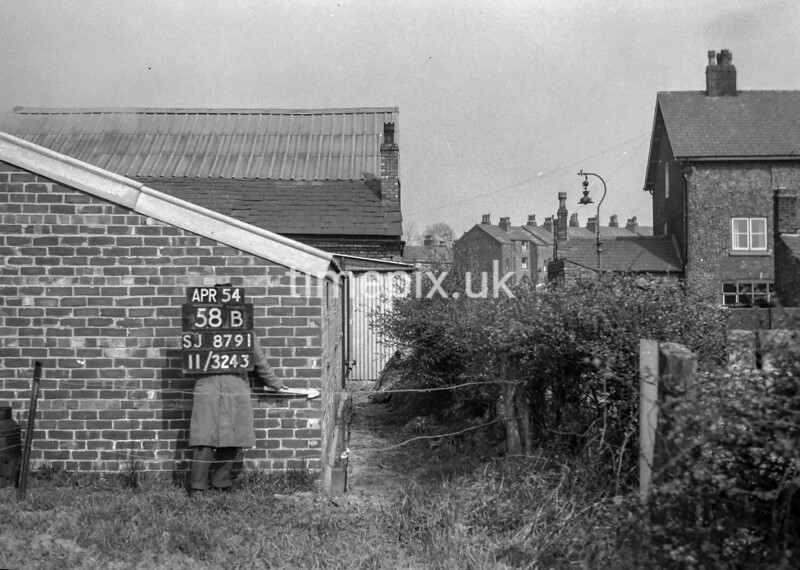 SJ879158B, Ordnance Survey Revision Point photograph in Greater Manchester