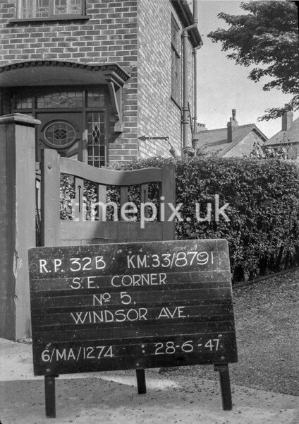 SJ879132B, Ordnance Survey Revision Point photograph in Greater Manchester