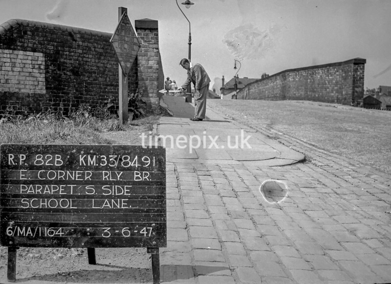 SJ849182B, Ordnance Survey Revision Point photograph in Greater Manchester