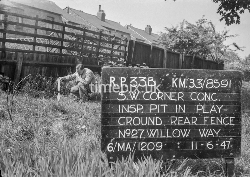 SJ859133B, Ordnance Survey Revision Point photograph in Greater Manchester
