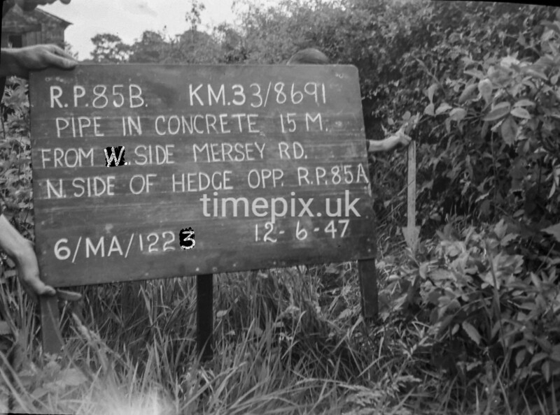 SJ869185B, Ordnance Survey Revision Point photograph in Greater Manchester