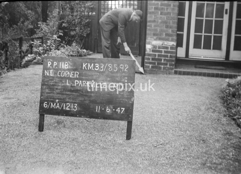 SJ859211B, Ordnance Survey Revision Point photograph in Greater Manchester