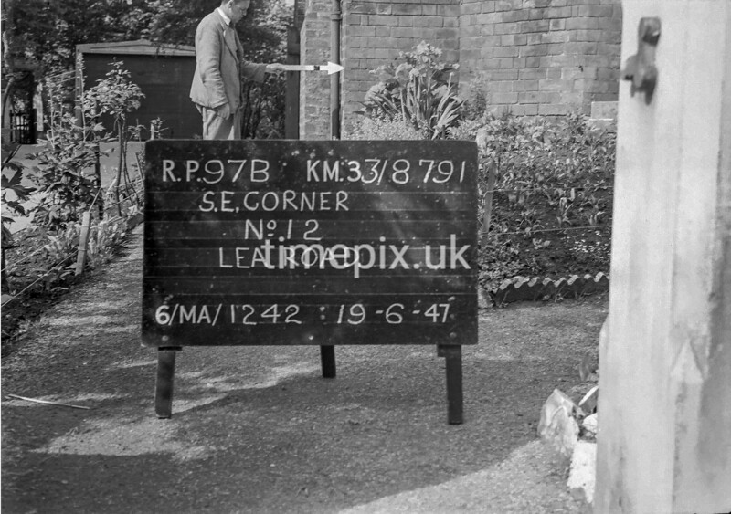 SJ879197B, Ordnance Survey Revision Point photograph in Greater Manchester