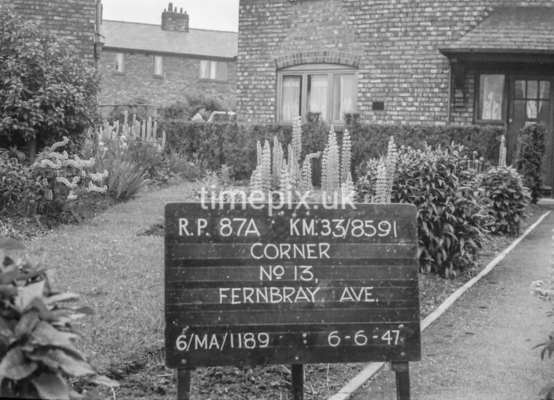 SJ859187A, Ordnance Survey Revision Point photograph in Greater Manchester