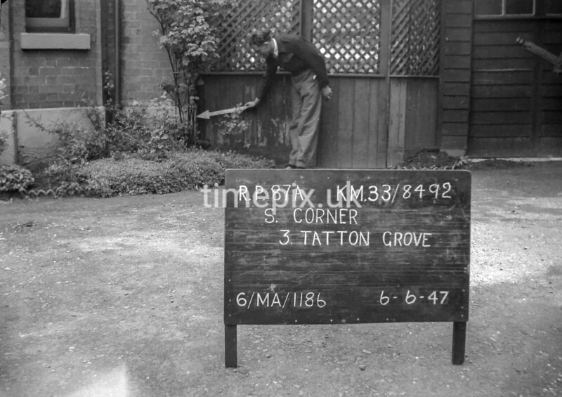 SJ849287A, Ordnance Survey Revision Point photograph in Greater Manchester