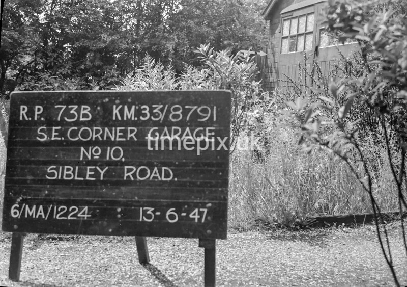 SJ879173B, Ordnance Survey Revision Point photograph in Greater Manchester