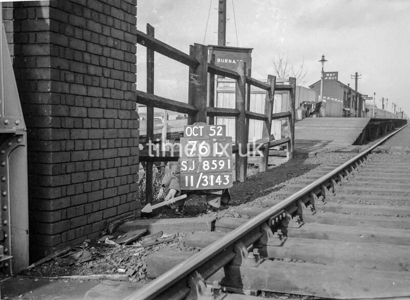 SJ859176L, Ordnance Survey Revision Point photograph in Greater Manchester