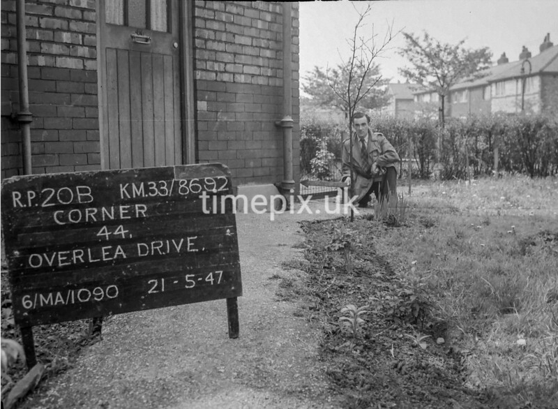 SJ869220B, Ordnance Survey Revision Point photograph in Greater Manchester