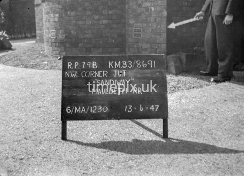 SJ869179B, Ordnance Survey Revision Point photograph in Greater Manchester