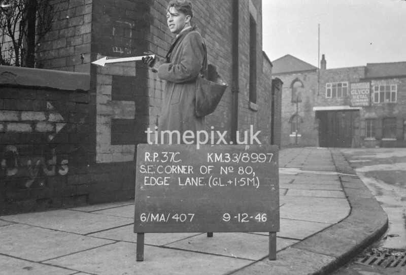 SJ899737C, Ordnance Survey Revision Point photograph in Greater Manchester