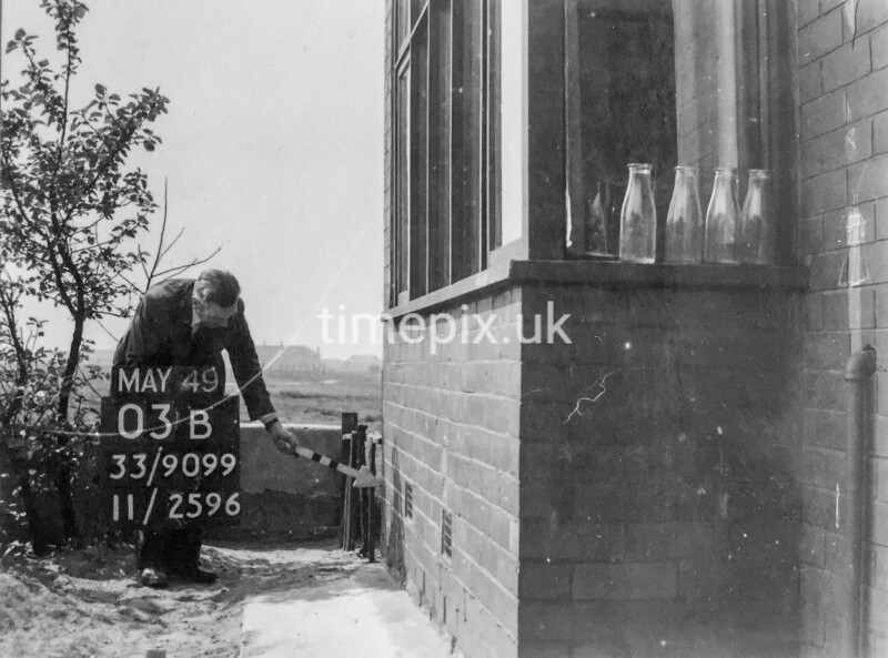 SJ909903B, Ordnance Survey Revision Point photograph in Greater Manchester