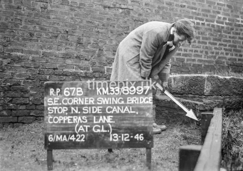 SJ899767B, Ordnance Survey Revision Point photograph in Greater Manchester