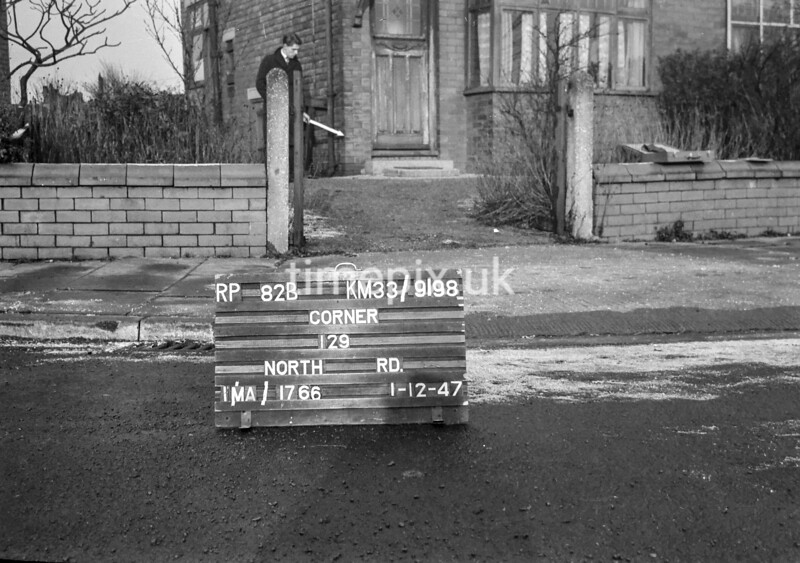 SJ919882B, Ordnance Survey Revision Point photograph in Greater Manchester