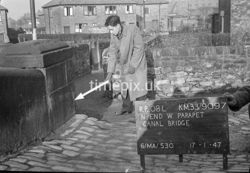 SJ909708L, Ordnance Survey Revision Point photograph in Greater Manchester