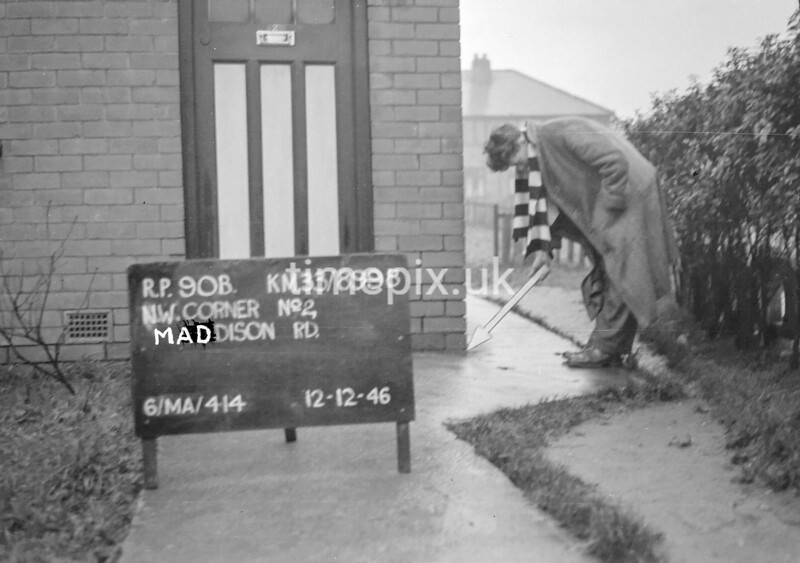 SJ899890B, Ordnance Survey Revision Point photograph in Greater Manchester
