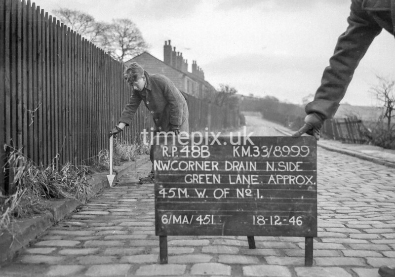 SJ899948B, Ordnance Survey Revision Point photograph in Greater Manchester