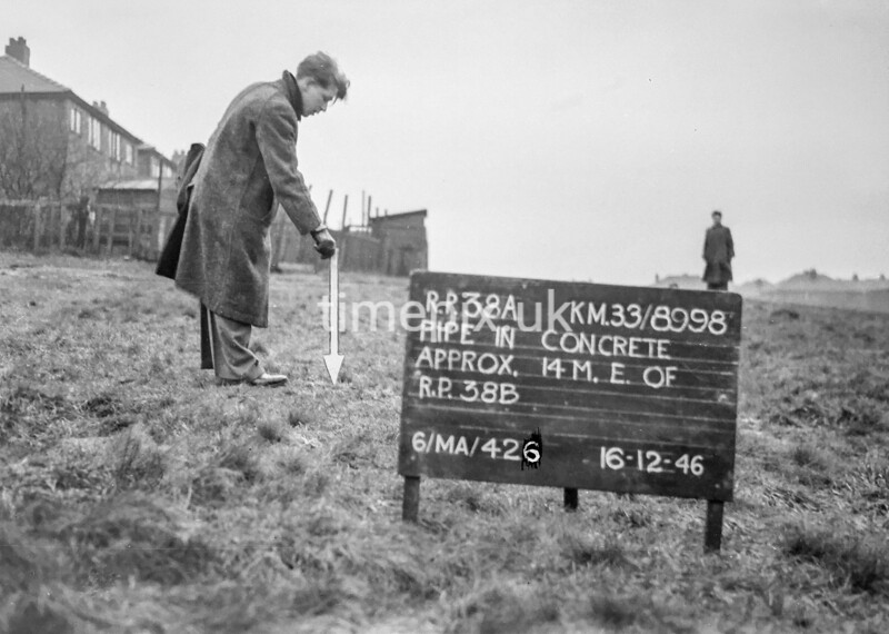 SJ899838A, Ordnance Survey Revision Point photograph in Greater Manchester