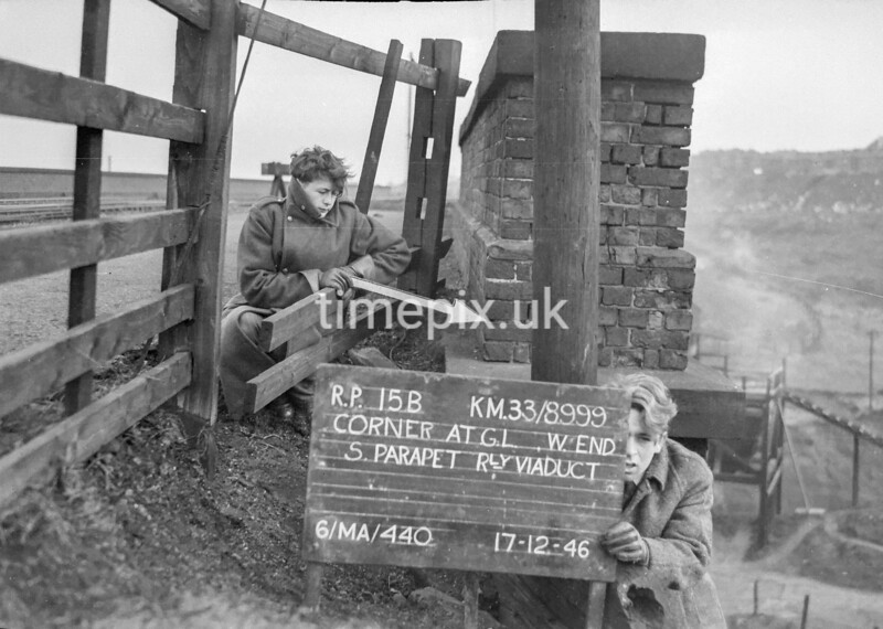 SJ899915B, Ordnance Survey Revision Point photograph in Greater Manchester