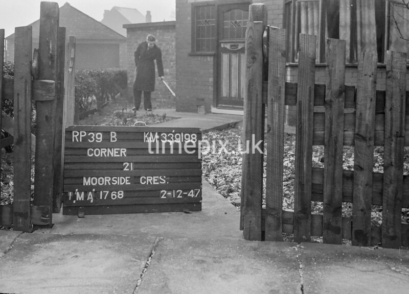 SJ919839B, Ordnance Survey Revision Point photograph in Greater Manchester