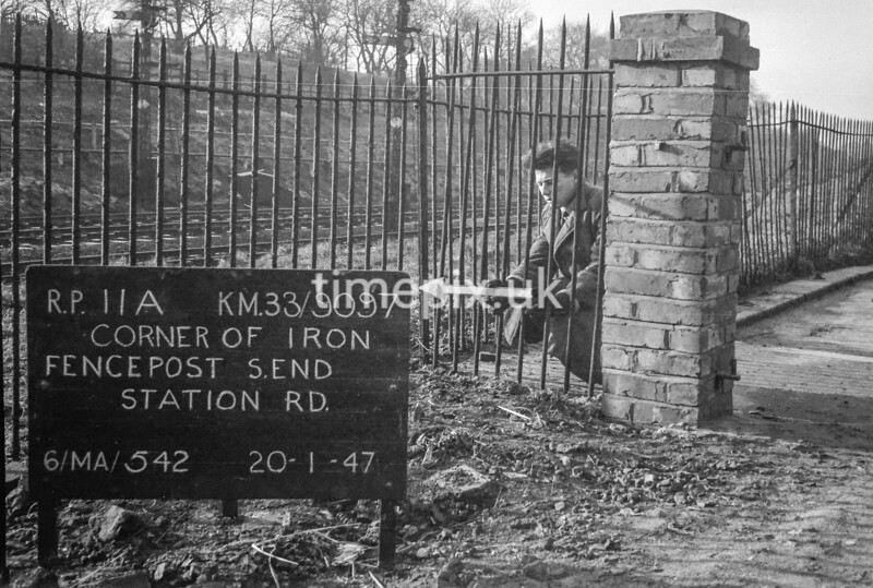 SJ909711A, Ordnance Survey Revision Point photograph in Greater Manchester