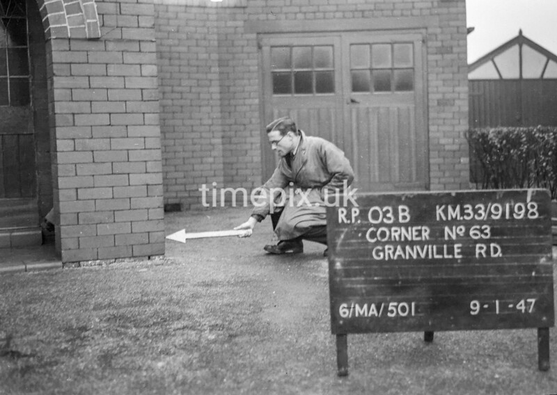 SJ919803B, Ordnance Survey Revision Point photograph in Greater Manchester