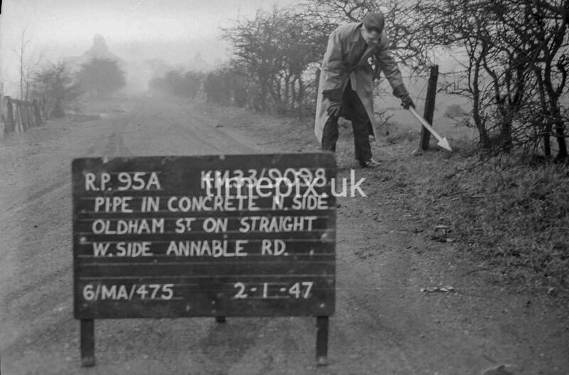 SJ909895A, Ordnance Survey Revision Point photograph in Greater Manchester