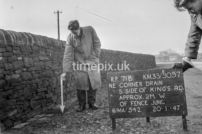SJ909771B, Ordnance Survey Revision Point photograph in Greater Manchester