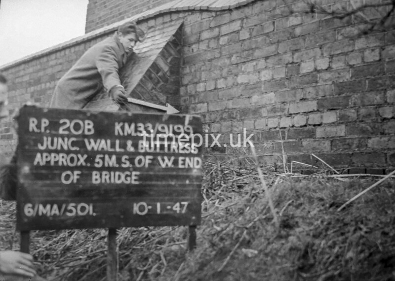 SJ919920B, Ordnance Survey Revision Point photograph in Greater Manchester