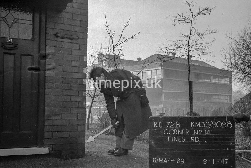 SJ909872B, Ordnance Survey Revision Point photograph in Greater Manchester