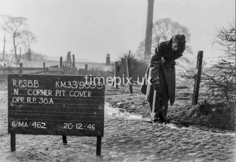 SJ909938B, Ordnance Survey Revision Point photograph in Greater Manchester