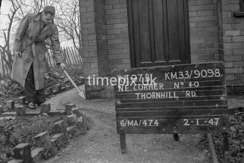 SJ909897B, Ordnance Survey Revision Point photograph in Greater Manchester