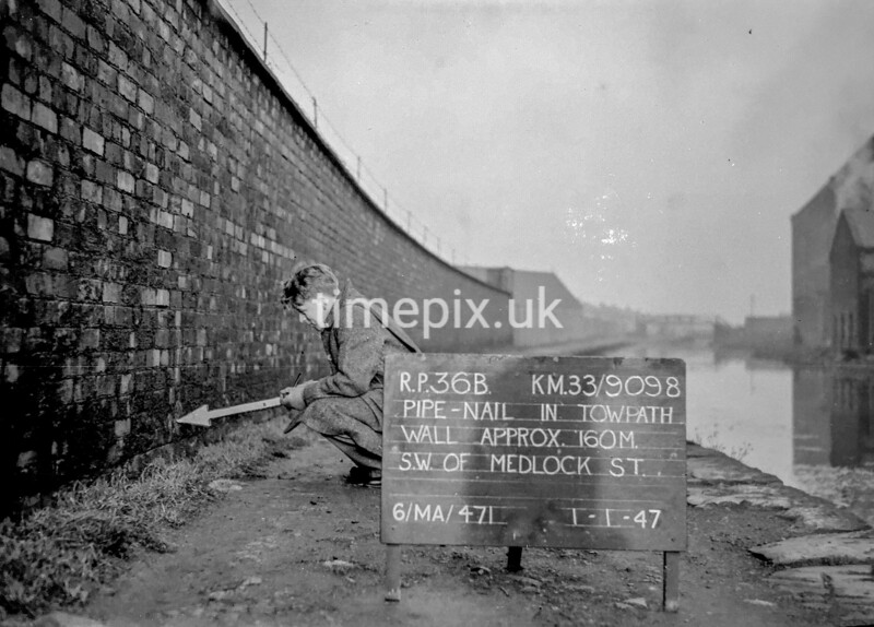 SJ909836B, Ordnance Survey Revision Point photograph in Greater Manchester