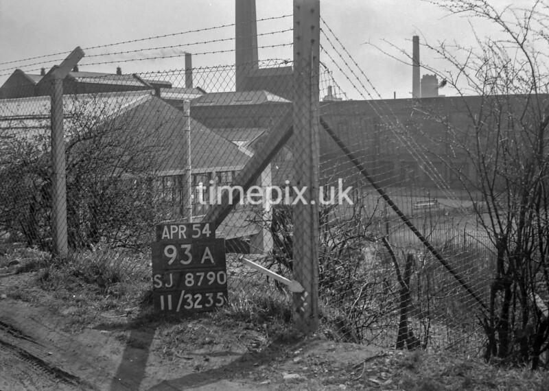 SJ879093A, Ordnance Survey Revision Point photograph in Greater Manchester
