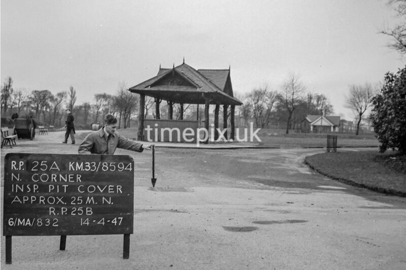 SJ859425A, Ordnance Survey Revision Point photograph in Greater Manchester