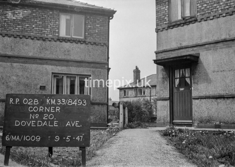 SJ849302B, Ordnance Survey Revision Point photograph in Greater Manchester