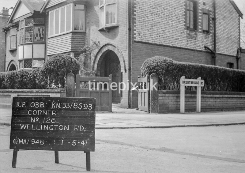 SJ859303B, Ordnance Survey Revision Point photograph in Greater Manchester