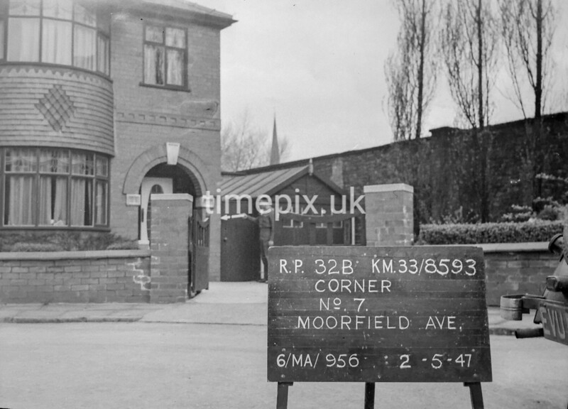 SJ859332B, Ordnance Survey Revision Point photograph in Greater Manchester