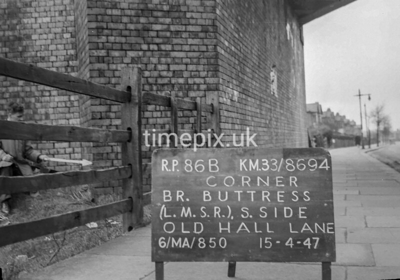 SJ869486B, Ordnance Survey Revision Point photograph in Greater Manchester