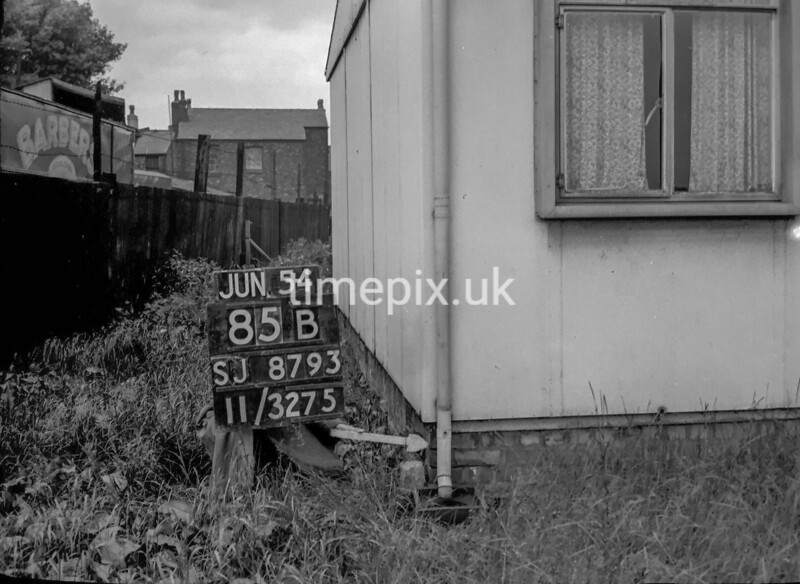 SJ879385B, Ordnance Survey Revision Point photograph in Greater Manchester