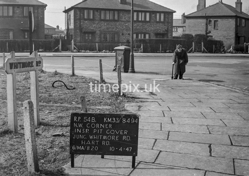 SJ849454B, Ordnance Survey Revision Point photograph in Greater Manchester