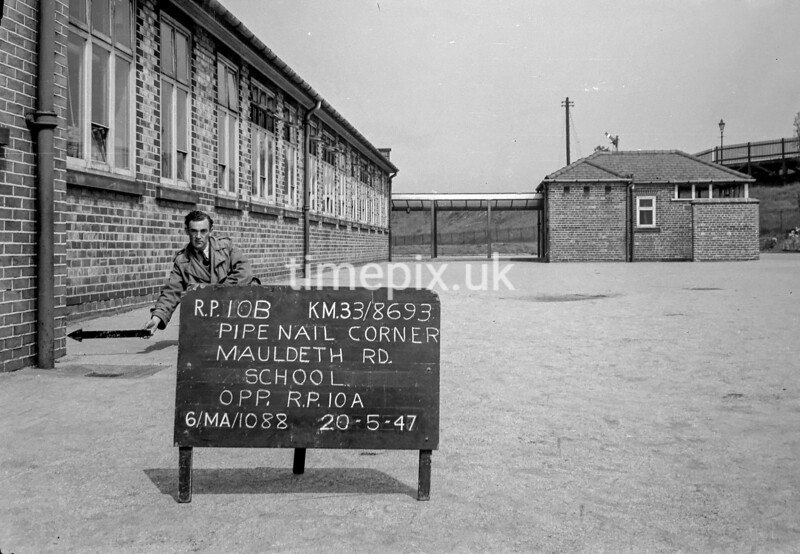 SJ869310B, Ordnance Survey Revision Point photograph in Greater Manchester