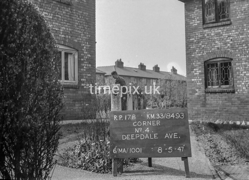 SJ849317B, Ordnance Survey Revision Point photograph in Greater Manchester