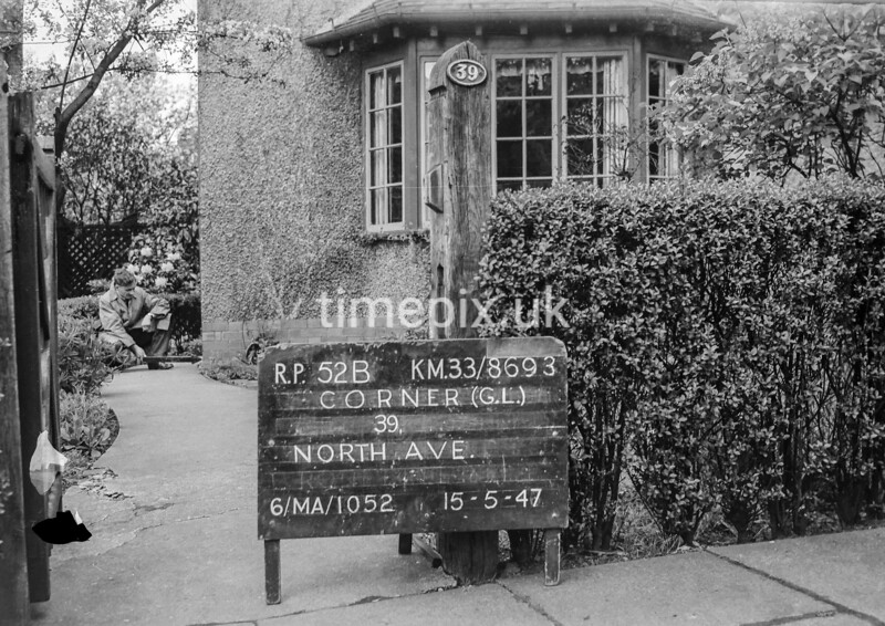 SJ869352B, Ordnance Survey Revision Point photograph in Greater Manchester