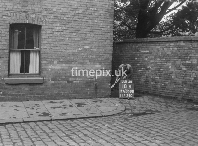 SJ868818B, Ordnance Survey Revision Point photograph in Greater Manchester