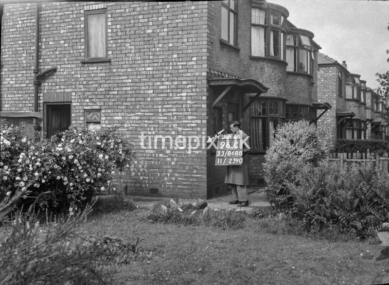 SJ868896C1, Ordnance Survey Revision Point photograph in Greater Manchester