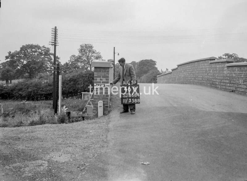 SJ868446B, Ordnance Survey Revision Point photograph in Greater Manchester