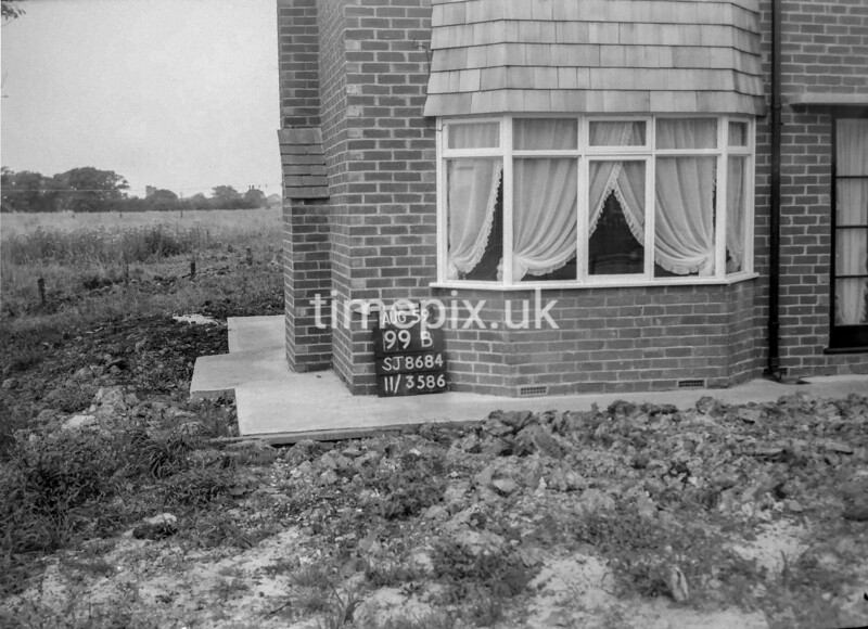 SJ868499B, Ordnance Survey Revision Point photograph in Greater Manchester
