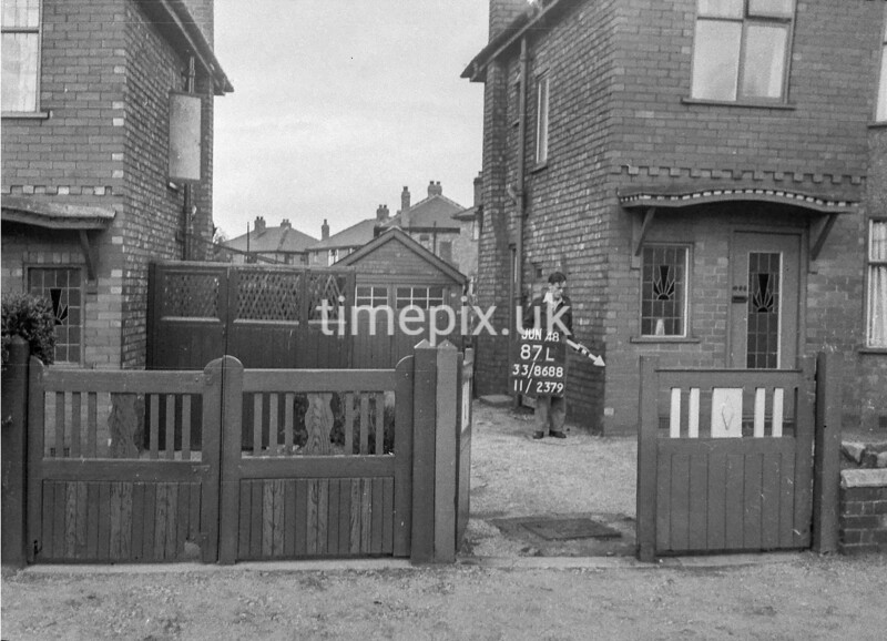 SJ868887L, Ordnance Survey Revision Point photograph in Greater Manchester